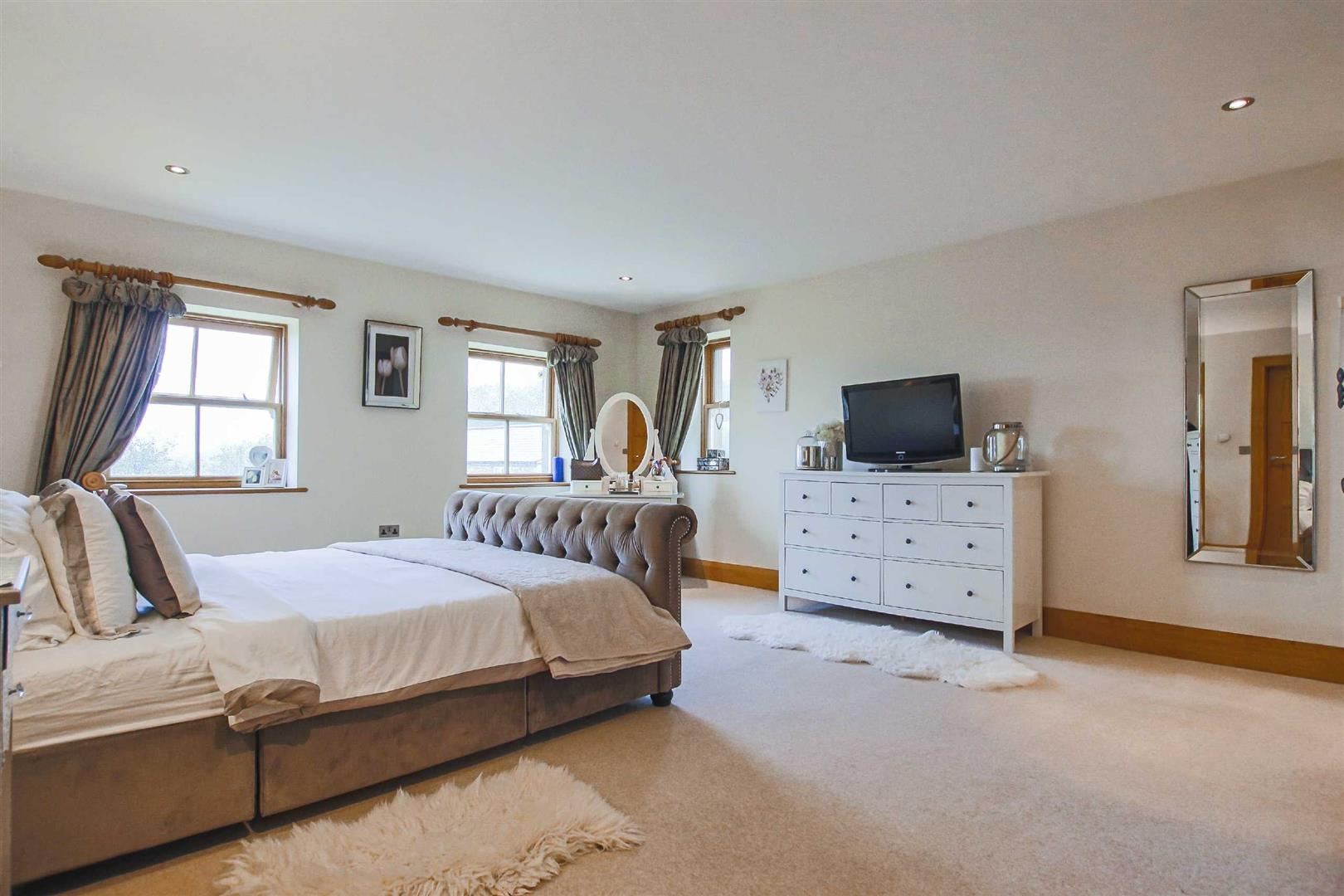 4 Bedroom Detached House For Sale - Image 30